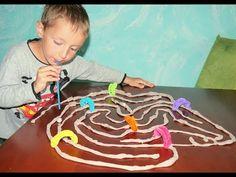 Budowanie Labiryntu / zabawy dla dzieci / kreatywne zabawy /ćwiczenia logopedyczne / mała motoryka - YouTube