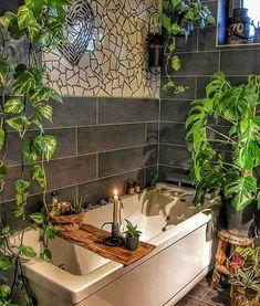 Bad Inspiration, Bathroom Inspiration, Jungle Bathroom, Bad Styling, Bohemian Bathroom, Bohemian Interior Design, Bathroom Styling, Dream Rooms, Bathroom Interior