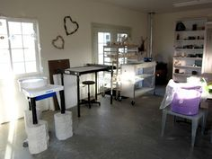 DirtKicker PoTTerY: cooling kiln and a clean studio