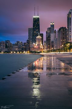 Lakefront path / Oak Street Beach, evening view (Chicago Pin of the Day, 2/1/2015).