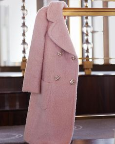 Women's Pink Coat + Best Winter Coats for Women + Winter outfits Casual Mode Style, Style Me, Look Fashion, Womens Fashion, Fashion Trends, Fall Fashion, Mode Rose, Inspiration Mode, Coat Dress