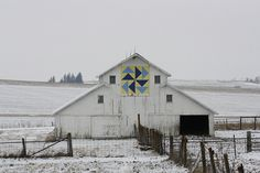 Barn Quilt beauty in the snow.