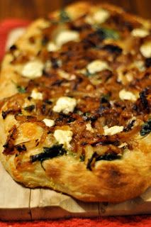 a land called anna lee: CARAMELIZED ONION AND GOAT CHEESE PIZZA