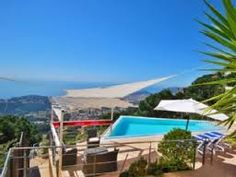 Villa magnifique pour 10 personnes avec un aménagement très soigné. Vous passerez des vacances inoubliables dans cette villa avec 5 chambres, 4 salles de bains, piscine privée et vue phénoménale sur la Méditerranée.