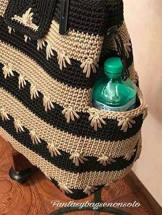 Elements of The Perfect - Mochila em crochê com bolso - Mochila Crochet, Crochet Tote, Crochet Handbags, Crochet Purses, Crochet Backpack Pattern, Tote Pattern, Crochet Pattern, Crotchet Bags, Knitted Bags