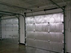 What a great idea, if you are working in a garage in the winter months! Make your garage energy efficient. Easy install of radiant barrier insulation to garage doors. Garage House, Two Car Garage, Dream Garage, Gym In Garage, Single Garage Door, Garage Racking, Dream Gym, Garage Office, Garage Attic