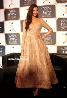 Sonam Kapoor in Elie Saab during the announcement of the L'Oreal Paris Femina Women Award 2015 Bollywood Celebrities, Bollywood Fashion, Bollywood Actress, Celebrity Gowns, Celebrity Style, Elie Saab Gowns, Frock Patterns, Indian Prints, Sonam Kapoor