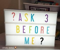 Ask 3 Before Me - If you're constantly answering questions or have more students that need your attention than you are able to give, consider having one, two, or three of your students be the teacher's helper. Give students a tag to wear so they can easily be identified. A student helper could assist with math assignments, logging into computers, and many other activities. They can also assist while you work with guided reading groups or centers. #ClassroomManagement #FREE Teacher Helper, Student Teacher, Teacher Hacks, Elementary Teacher, School Teacher, Upper Elementary, Elementary Schools, Classroom Layout, Future Classroom