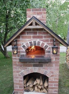 An outdoor kitchen can be an addition to your home and backyard that can completely change your style of living and entertaining. Brick Oven Outdoor, Brick Bbq, Pizza Oven Outdoor, Outdoor Cooking, Oven Diy, Diy Pizza Oven, Outdoor Spaces, Outdoor Living, Bread Oven