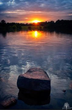 Big Sunsets from a Big Man Chair Beautiful Sunset, Beautiful World, Beautiful Images, Sunset Images, Sunset Photos, Photography Camera, Sunset Photography, Dawn And Dusk, Nature Pictures