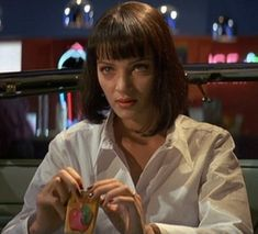 Red Apple cigarettes-When Vincent (John Travolta) and Mia (Uma Thurman) sit down at Jack Rabbit Slims, she takes out a pack of cigarettes. These are featured in many of q's films Quentin Tarantino, Tarantino Films, Uma Thurman Pulp Fiction, Death Proof, Jackie Brown, 70s Inspired Fashion, Mia Wallace, Reservoir Dogs, Night Aesthetic