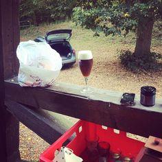 """Wenn ich gewusst hätte dass """"Nach der Party aufräumen helfen"""" """"die angebrochenen Fässer leertrinken"""" heißt ...  #dertagdanach #sonntag #gutenmorgen #bierzumfrühstück"""