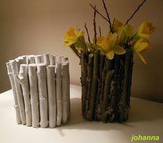 Snoeihout stokjes, leeg melkpak, stokjes  er op vast lijmen   ik heb het wit gemaakt met muurverf .