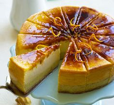 Crème brûlée Cheesecake - great for Christmas dessert Sweet Desserts, Just Desserts, Sweet Recipes, Delicious Desserts, Yummy Food, Cheesecake Recipes, Dessert Recipes, Eat Dessert First, Macaron