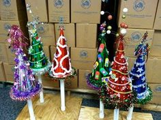 Last Trending Get all images whoville christmas party decorations Viral img jpg Whoville Christmas Decorations, Grinch Christmas Party, Grinch Who Stole Christmas, Christmas Diy, Grinch Party, Christmas Parties, Christmas Costumes, Xmas Party, Christmas 2017