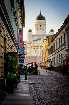 Summer in Helsinki, Finland<<Oh how I hope it would be like this :') Helsinki Things To Do, Finland Destinations, Finland Summer, Stockholm, Countries Europe, Visit Helsinki, Alaska, Baltic Cruise, Finland Travel