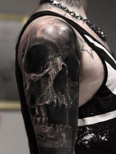 tatouage tête de-mort-hyper-réaliste-manchette