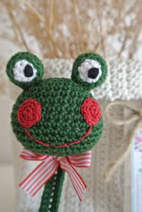 ༺༺༺♥Elles♥Heart♥Loves♥༺༺༺ ........♥Crochet Amigurumi♥........ #Amigurumi #Patterns #Crochet #Softies #Childrens #Toys #Handmade #Teddy #Doll #Tutorial #Patterns #Collectable~ ♥Beautiful Crochet Work By El Gancho De Lola Pacifier Frog