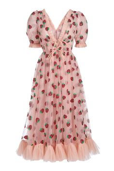 Strawberry Midi Dress The perfect head turner dress featured Silhouette Mode, Dress Silhouette, Fashion Week, Look Fashion, Strawberry Dress, Casual Dresses, Fashion Dresses, Mode Outfits, Coat Dress