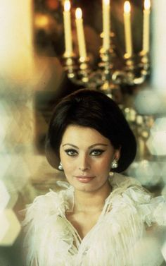 vintage everyday: Classic Beauty Icon of Italy – 35 Stunning Color Photos of Sophia Loren in the and Sophia Loren Style, Loren Sofia, Sophia Loren Images, Old Hollywood Glamour, Hollywood Stars, Classic Hollywood, Carlo Ponti, Italian Actress, Ageless Beauty