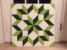 FREE pattern and tutorial Barn Quilt Patterns, Star Patterns, Green Barn, Painted Barn Quilts, Wooden Barn, Outdoor Art, Square Quilt, Carpenter, Quilt Blocks