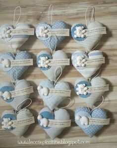 idea for decoration Felt Crafts, Diy And Crafts, Wedding Favors, Wedding Gifts, Fabric Hearts, Baby Shawer, I Love Heart, Pin Cushions, Little Gifts
