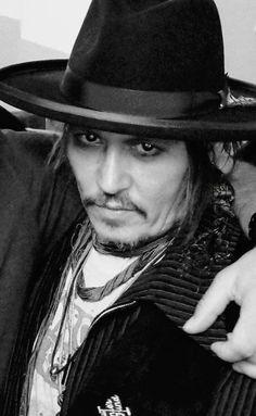 Oh my Johnny ❤❤❤ Johnny Depp Fans, Here's Johnny, Hot Actors, Actors & Actresses, Jonny Deep, Captain Jack Sparrow, Karl Urban, Celebs, Celebrities