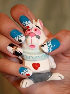 Adorable Alice in Wonderland Nails I pinkpixiedf.blogspot.com
