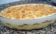 Delicia de leite condensado My Recipes, Sweet Recipes, Cake Recipes, Dessert Recipes, Cooking Recipes, Favorite Recipes, Portuguese Desserts, Portuguese Recipes, Portuguese Food