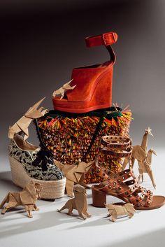 Accesorios must: las 4 tendencias en zapatos y bolsos imprescindibles de la temporada primavera/verano 2013 Samurai, Shoes, Totes, Zapatos, Montages, Seasons, Spring Summer, Trends, Accessories