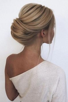Chignon simple mais incroyable – All About Hairstyles Twist Braid Hairstyles, Loose Hairstyles, Bride Hairstyles, Trendy Hairstyles, Straight Hairstyles, Hairstyles Videos, Hairstyles 2016, Natural Hair Updo, Natural Hair Styles