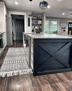 My new runner (look familiar?) is amazing and adds soo much to this space! I'm obsessed with it already! I'll link it in my stories! Don't forget to use code: BOUNDLESS60 to save 60% . . . #boutiquerugs #diyhomedecor #farmhousedecor #farmhouseinspired #kitchensofinstagram #kitchensofinsta #rugsofinstagram #kitchenrug #diyaddict #iadorefarmhousedecor #kitchenisland #kitchendesign #blackisland #interiordesign #farmhousefeatures #bohofarmhouse #hgtv #hgtvhome #fixerupperinspired #fixerupper