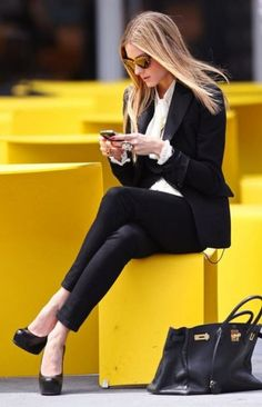 Belle Chantelle: {Guest Post} Dress for Success: The New Power Dressing Business Fashion, Business Chic, Business Attire, Office Fashion, Work Fashion, Star Fashion, Womens Fashion, Business Clothes, Business Formal