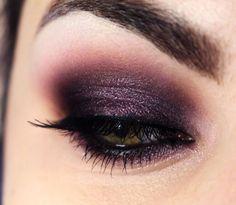 O post Tutorial – olho esfumado com sombra roxa apareceu primeiro em Pausa para Feminices. Hoje é dia de postar (finalmente, né? hehe) o passo a passo da maquiagem que eu fiz com o quinteto Purple da