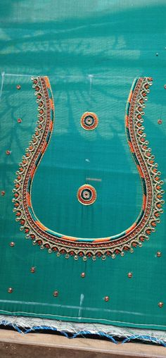 Hand Embroidery, Embroidery Designs, Simple Blouse Designs, Thing 1, Thread Work, Work Blouse, Blouse Patterns, Peacock, Stitching
