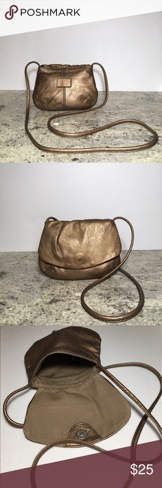 """Fossil Envelope Leather Crossbody Golden Brown High quality crossbody. Vintage and cute looking good over time. Preowned in excellente condition. Small magnetic closure. 8"""" W by 6.5"""" H. Strap drop approx. 25"""". Fossil Bags Crossbody Bags"""