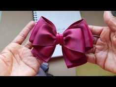 How to make ribbon bow? 8 tips to make a 5 inch hair bow. Ribbon Art, Ribbon Hair Bows, Lace Bows, Diy Hair Bows, Diy Ribbon, Ribbon Crafts, Ribbon Bow Tutorial, Hair Bow Tutorial, Band Kunst
