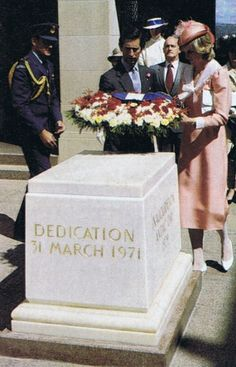 March 25, 1983: Prince Charles & Princess Diana lay a wreath at the Australian War Memorial, Canberra.