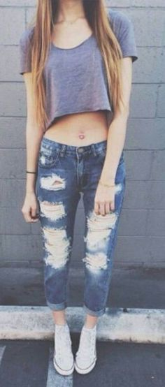 summer outfits crop top ripped jeans