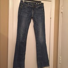 Reduced!! Miss me jeans! Good condition miss me jeans with studs and wings on the back pockets. Item # JP5163B4 Miss Me Jeans