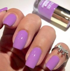 In seek out some nail designs and ideas for the nails? Listed here is our list of 28 must-try coffin acrylic nails for fashionable women. Love Nails, How To Do Nails, Pretty Nails, My Nails, Spring Nail Colors, Spring Nails, Summer Nails, Nail Selection, Statement Nail