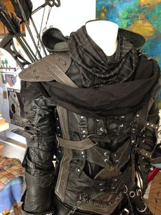 steampunksteampunk: Garrett cosplay Awesome armour (not steampunk i know but this is where the clothes seem to go) Costume Steampunk, Mode Steampunk, Style Steampunk, Steampunk Clothing, Steampunk Fashion, Steampunk Armor, Steampunk Jacket Mens, Renaissance Clothing, Steampunk Necklace
