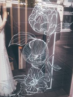 Chalk Pens, Chalk Markers, Chalk Art, Window Design, Wall Design, Shop Signage, Posca Art, Ideas Geniales, Window Art