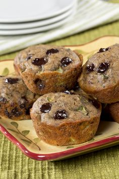 One way to include more veggies into your diet is to stick them in everything, including your desserts! Our Banana Zucchini Muffins are moist, delicious, and much healthier than pre-packaged banana muffins, making them a better choice for a diabetic Diabetic Desserts, Diabetic Snacks, Diabetic Recipes, Healthy Recipes, Diet Desserts, Dessert Recipes, Banana Zucchini Muffins, Mint Cheesecake, Muffin Tin Recipes