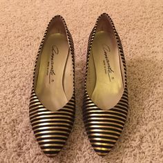 Black & Gold Pump Size 7 Worn once or twice and in excellent condition. Shoes Heels