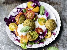 Unser Rezept f�r Pistazien-Falafeln begeistert nicht nur Vegetarier. Die knusprigen Falafeln k�nnen Sie als Hauptgericht oder auch als Beilage servieren.