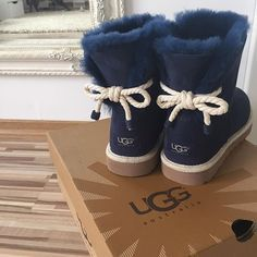 UGG Boots Outfit UGG Australia Classic Fashion trends Haute couture Style tips Celebrity style Fashion designers Casual Outfits Street Styles Women's fashion Runway fashion Classic Fashion Trends, Heeled Boots, Bootie Boots, Women's Boots, Ugg Boots Outfit, Uggs For Cheap, Paris Mode, Sneakers, Sheepskin Boots