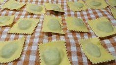 ravioli di bietola e pecorino Tortellini, Sardinia, Gnocchi, Italian Recipes, Pineapple, Pudding, Fruit, Cooking, Desserts