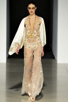 Temperley London Spring 2012 Ready-to-Wear Fashion Show - Amy Torrance