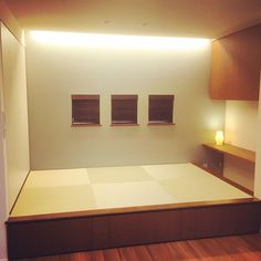 Lounge/和室/アクセントクロス/小上がりのインテリア実例 - 2016-06-13 04:31:23 | RoomClip (ルームクリップ) Japanese Living Rooms, Japan Interior, Japanese Architecture, Diy And Crafts, House Design, Mirror, Bedroom, Inspiration, Furniture
